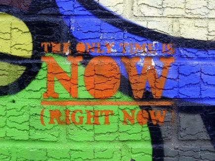 graffiti-300350_1920.jpg