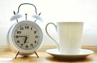 alarm-clock-2116007_12805451182360428014330.jpg