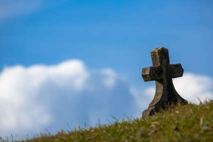 grave-674443_1920